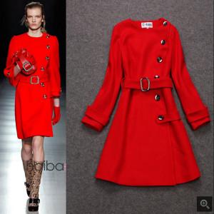赤いコート (6)