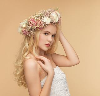 【101選】花嫁さん必見♪ウェディングドレス×生花スタイルのヘアアレンジ♪