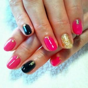 黒とピンクネイル (101)