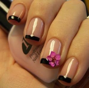 黒とピンクネイル (1)
