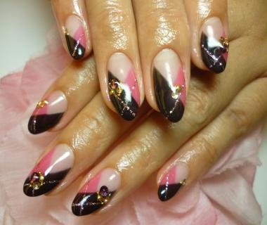 黒とピンクネイル (107)