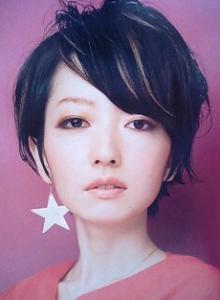 黒髪ショート (1)
