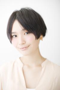黒髪ショート (16)