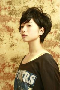 黒髪ショート (24)