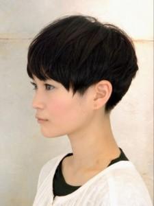黒髪ショート (32)