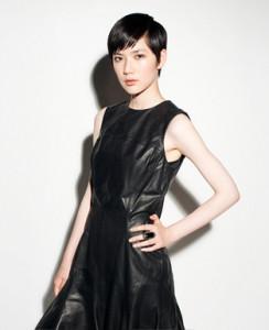 黒髪ショート (38)