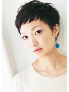黒髪ショート (59)
