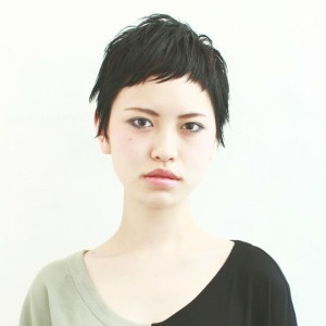 黒髪ショート (9)