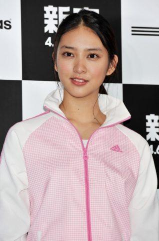 武井咲まとめ髪 (9)